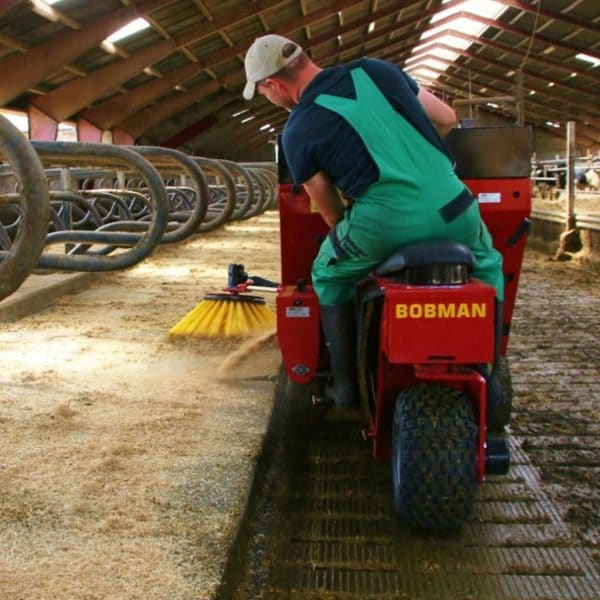 BOBMAN Machines spreader, scraper, sweeper and feed turning machine in use.