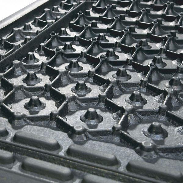 Kraiburg KKM individual stall mats sealing lip.